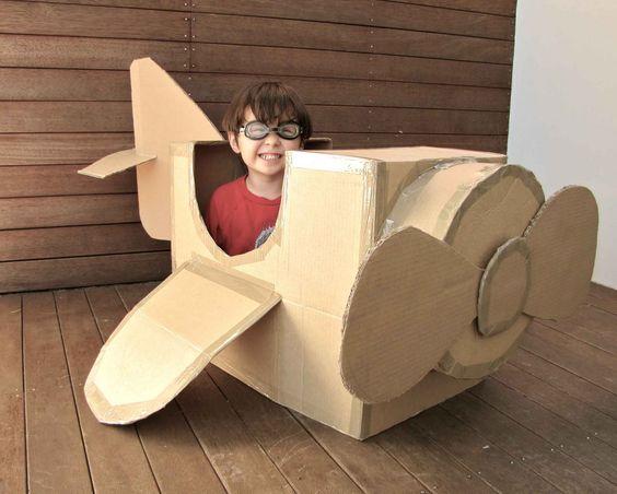 Gyerekjáték kartondobozból