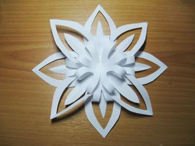 3D hópehely papírból
