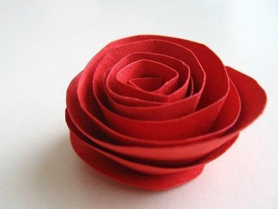Szív koszorú papír rózsákból