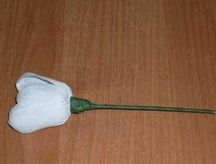 Cvetu_iz_gofrirovannoj_bumagi_105