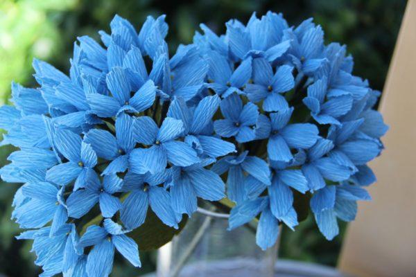 Krepp papír virág