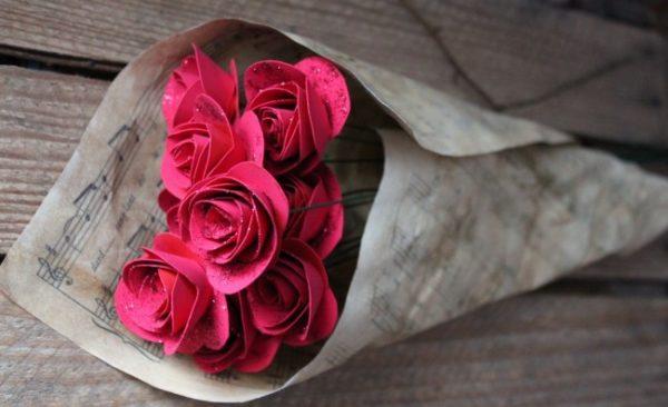 Papír rózsa készítés
