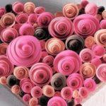Ajándék csomagolás papír rózsákkal