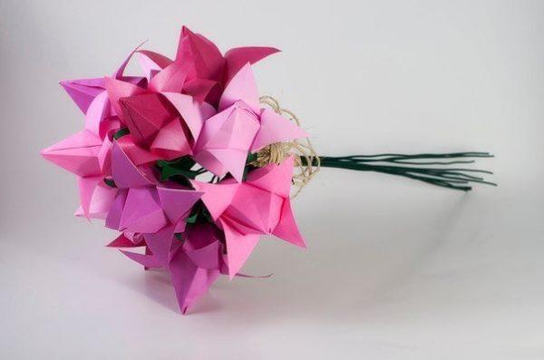 Origami tulipán
