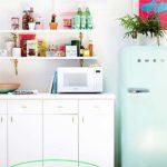 Hogyan dobd fel a lakást öntapadós fóliával?