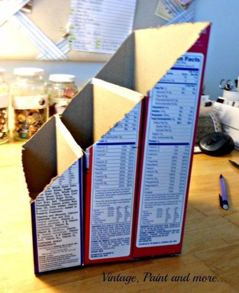 Iratpapucs készítése házilag bármilyen üres dobozból.  Iratpapucs készítése saját kezűleg, hogy otthon is rendezve legyenek a papírok, levelek stb. Bármilyen üres papírdobozból elkészíthető, természetesen minél vastagabb a karton, annál tartósabb lesz az irattartó, én pl. a mosogatótabletták kiürült dobozait használom erre a célra.