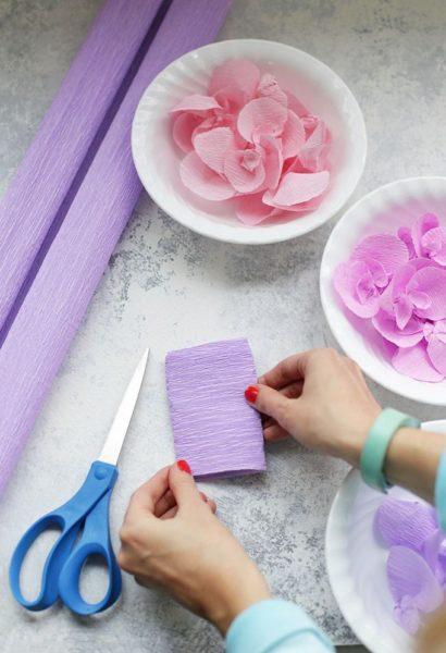Lilaakác (Wisteria) készítése krepp papírból