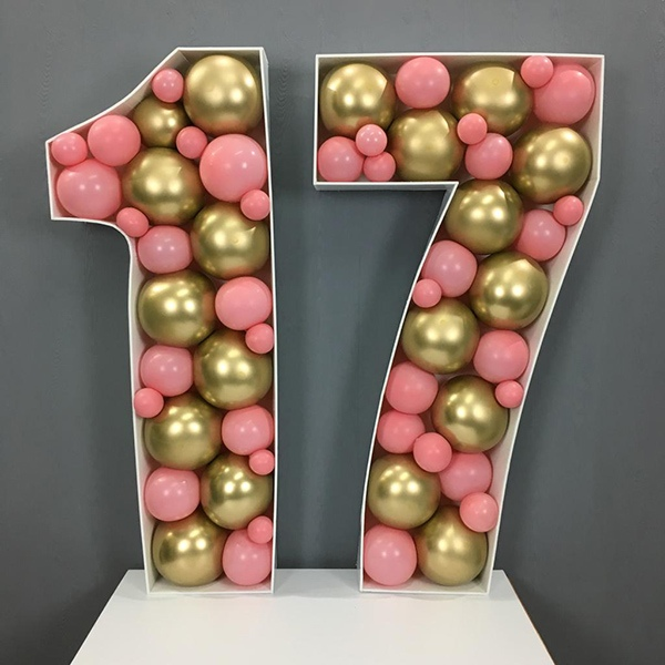 Óriási születésnapi számok lufiból