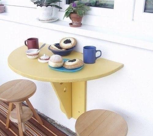 Lehajtható asztal erkélyre