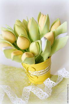 Textil tulipán varrása